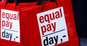 Speakers decry gender pay gap, discrimination at workplaces