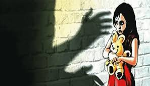 Man nabbed for raping teenage niece